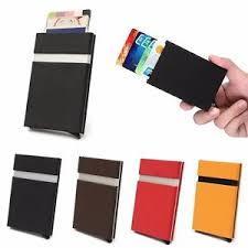 שוב לא מוצאים את כרטיס האשראי ? קבלו ארנק קטן במיוחד לכרטיס...