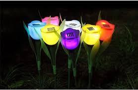 תאורה צבעונית סולארית בצורת פרח יאיר לכם את הגינה או המרפסת...
