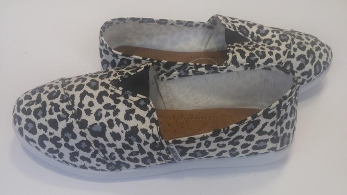 נעליים אופנתיות וקייציות לנערות ונשים מבד רק ב-49 ש
