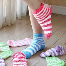 מתחממים ונעים עם גרבי מגבת איכותיים במגוון צבעים לנערות ולנש...
