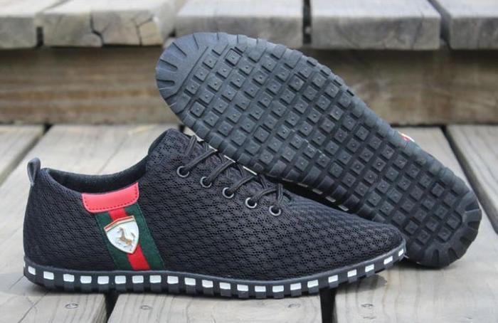 נעלי סניקרס קלאסיות ואופנתיות לגברים במגון צבעים ומידות לבח...