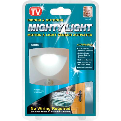לכל בית! מנורת Mighty Light בעלת חיישן תנועה הנדלקת אוטומטי...