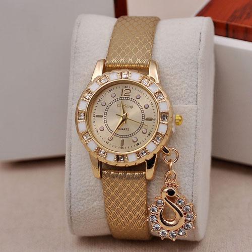 שעון יד יוקרתי לאישה !! דק אלגנטי מרהיב ומיוחד במחיר מטורף ר...