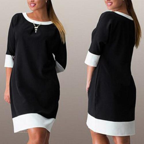 שמלה קלילה יפה ומחמיאה, גם במידות הגדולות, בשחור או בכחול, ר...