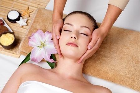 שעתיים של פינוק !! טיפול פנים לכל סוגי העור + פילינג מסכות ...