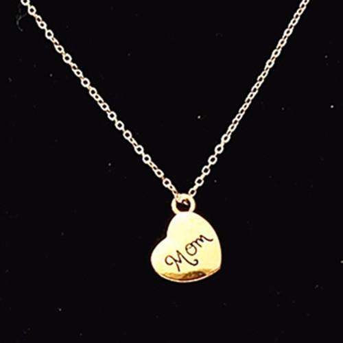 שרשרת מתנה לאמא אהובה עם תליון לב וכיתוב MOM בצבע זהב רק ב-...