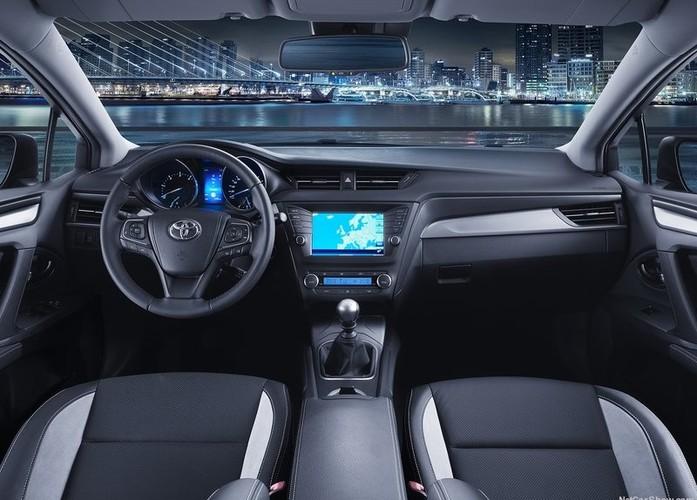 חיישני רוורס יוקרתיים לרכב המחוברים למערכת מולטימדיה ברכב ...